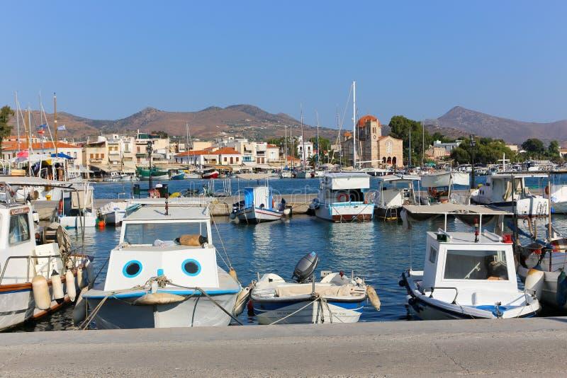 Яхты на острове Aegina - Греции стоковые фотографии rf
