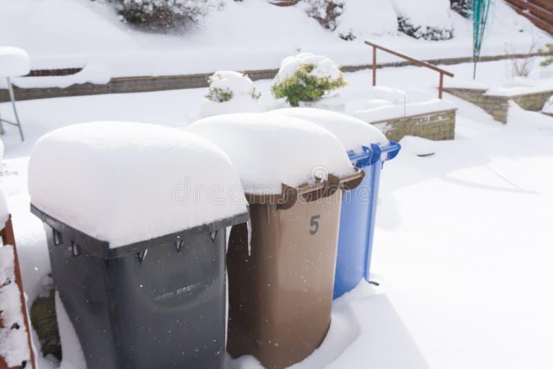 Ящики выжимк предусматриванные в снеге стоковые изображения