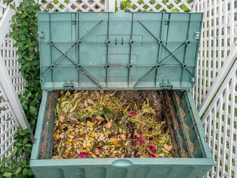 Ящик компоста стоковые изображения rf
