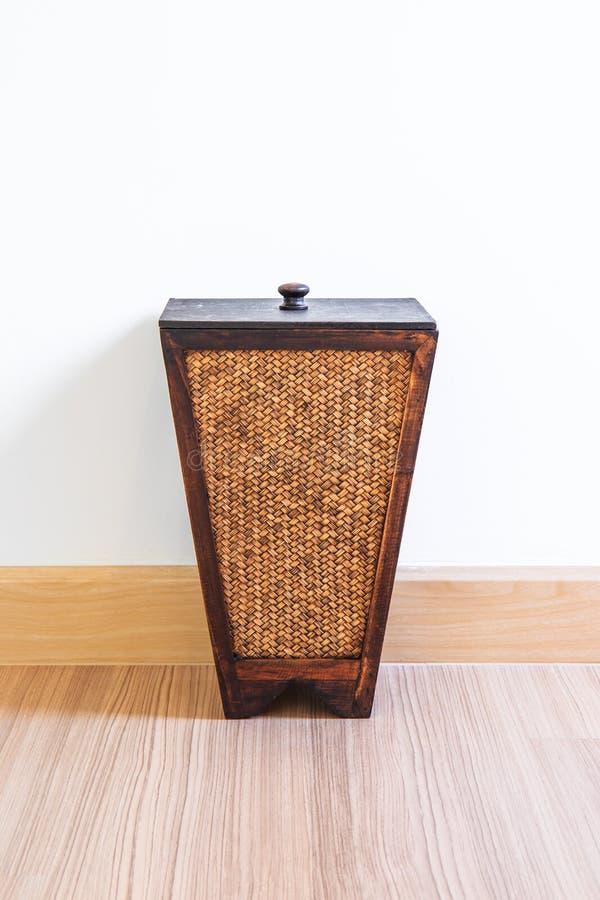 Ящик от бамбука стоковое изображение