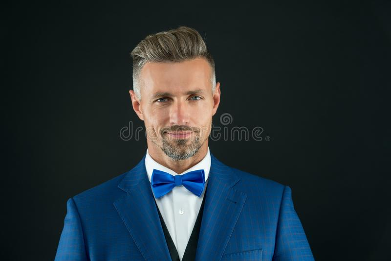 Я готов Парикмахер стиля джентльмена современный Концепция парикмахерской Борода и усик Гай хорошо выхолил красивое бородатое стоковое изображение rf