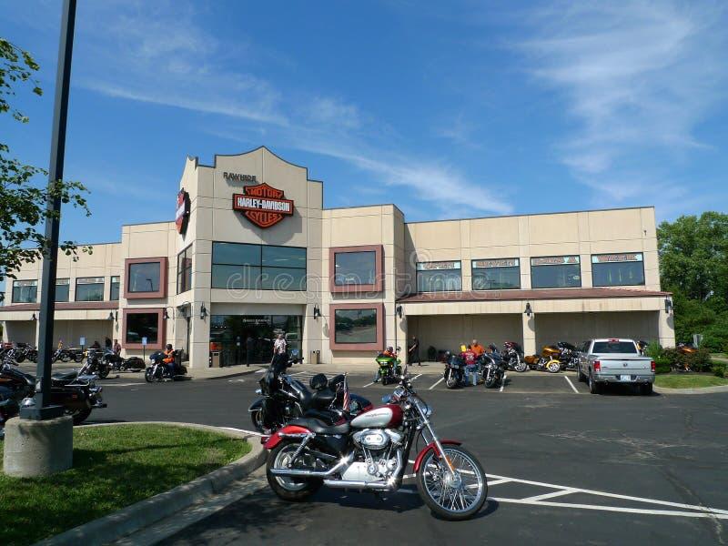 Яловка Harley Davidson, Olathe, KS, экстерьер и место для стоянки стоковая фотография