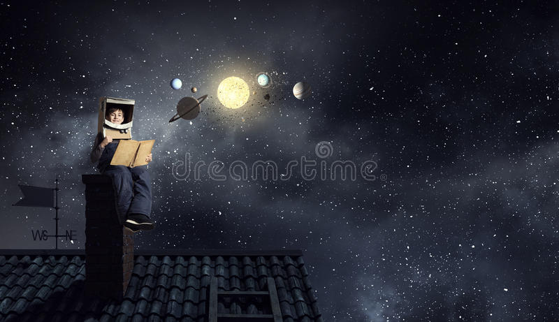 Я стану астронавтом и мухой к космосу Мультимедиа стоковая фотография rf