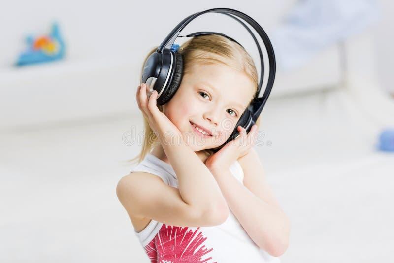 Я люблю слушаю музыка стоковые фото