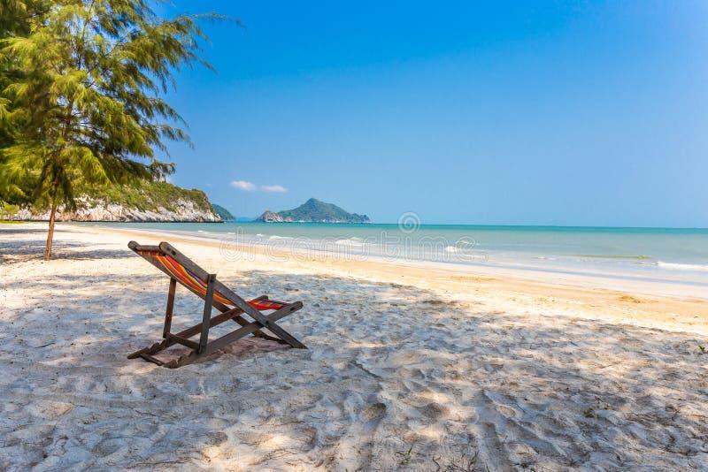 ฺBeach krzesło na plaży z pięknym krajobrazem przy Hua Hin Prachuap Khiri Khan zdjęcia royalty free