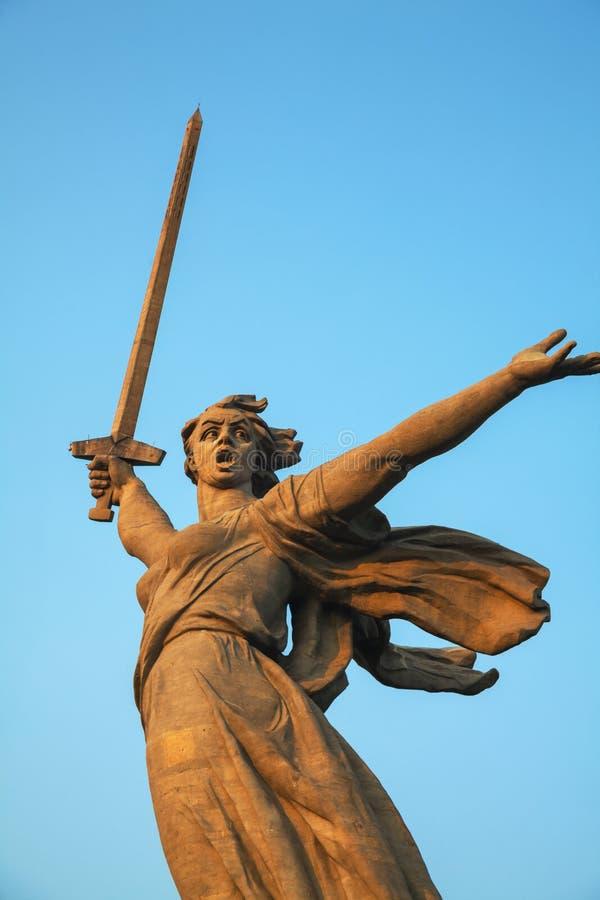 '祖国电话!'纪念碑在伏尔加格勒,俄罗斯 库存图片