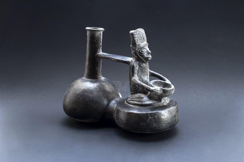 'Huaco llamado de cerámica antropomorfo precolombino 'de Chimu foto de archivo