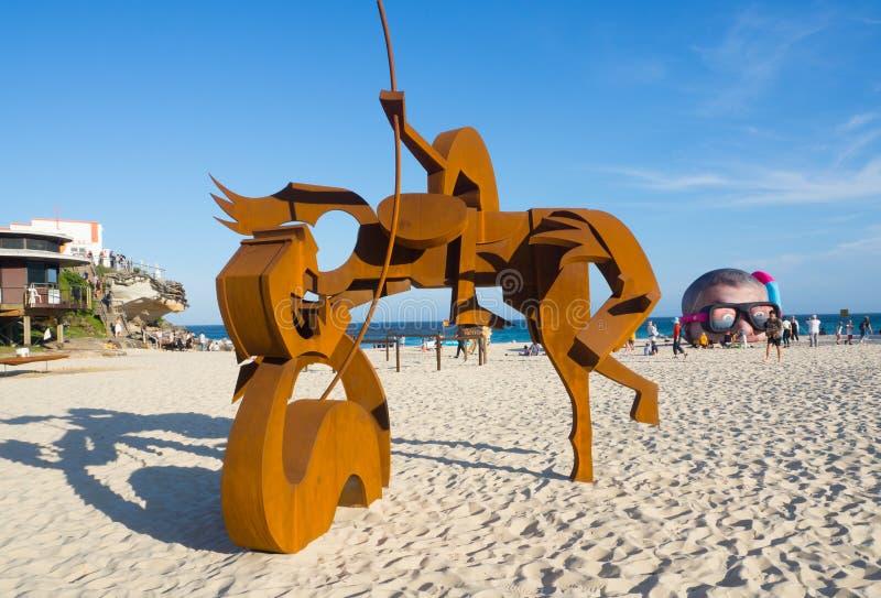 'San Jorge y el dragón 'es ilustraciones esculturales de Jimmy Rix en la escultura por los acontecimientos anuales del mar libres foto de archivo