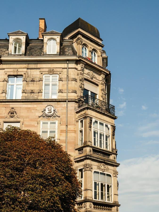 'Decorativo velho Parisexterior do buildingÃ, França foto de stock