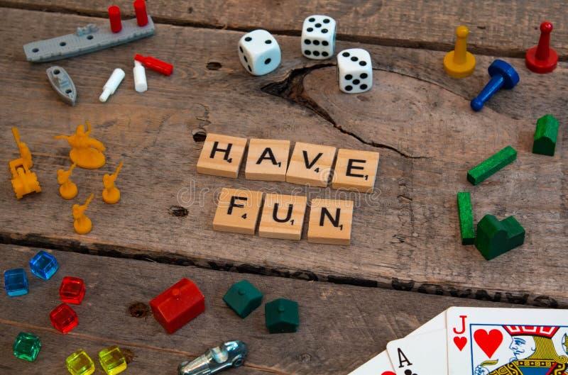 'Haben Sie Spaß 'gemacht von den Scrabblespielbuchstaben stockbilder