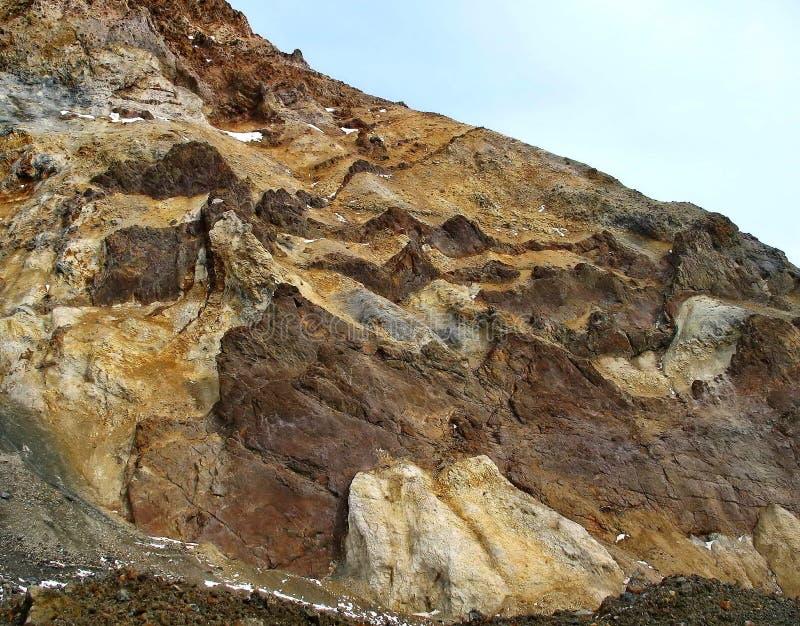 'Marslandschaften ' Gefrorene Lava des Vulkans Kamchatka-Rätselhaftigkeit zieht viele Touristen aus allen Ländern an lizenzfreie stockfotografie
