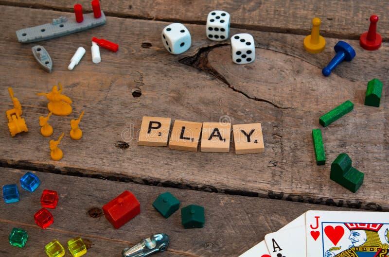'Spiel 'machte von den Scrabblespielbuchstaben stockfoto
