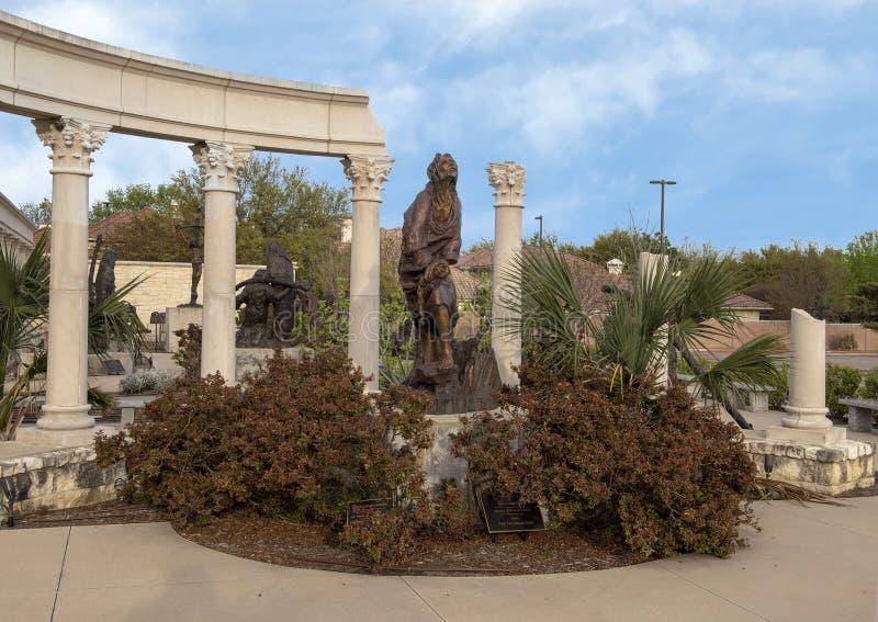'Urteil 'durch Gib Singleton im Via Dolorosa-Skulptur-Garten des Museums der biblischen Kunst in Dallas, Texas stockbild