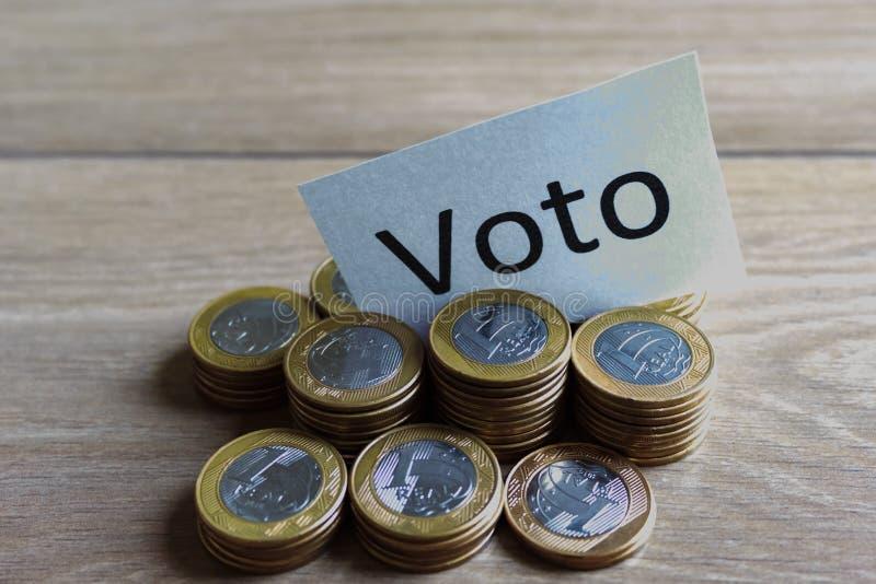 'Voto 'auf portugiesisch: Abstimmung, politische Korruption in Brasilien und der Kauf von Stimmen in den Wahlen lizenzfreies stockfoto