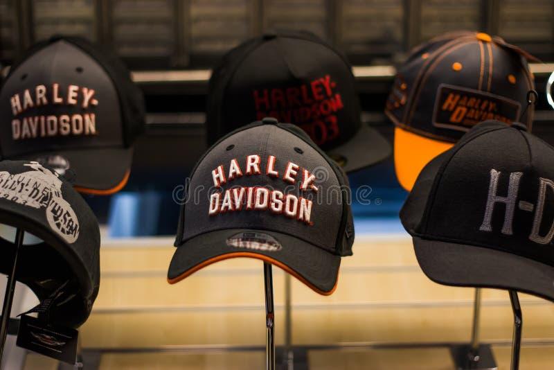 """""""Événement de Chambre ouverte """"de Harley Davidson en Italie : chapeaux et présentation d'habillement photo libre de droits"""