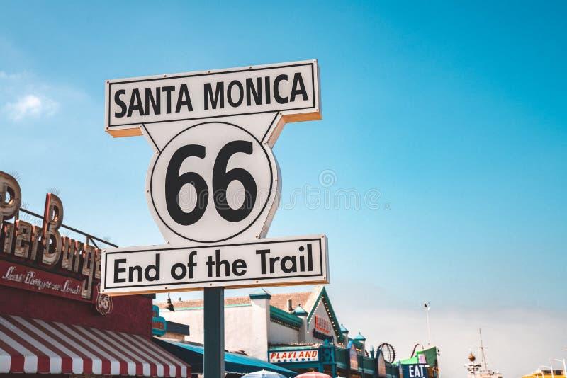 """""""Конец Санта-Моника 66 знак следа """" стоковое фото"""