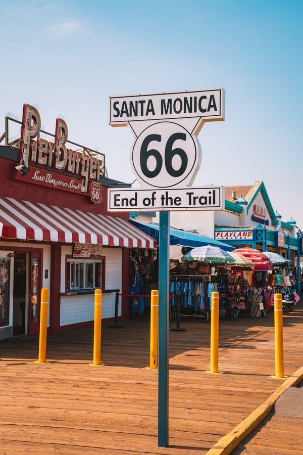 """Конец Санта-Моника 66 знак следа "" стоковая фотография"