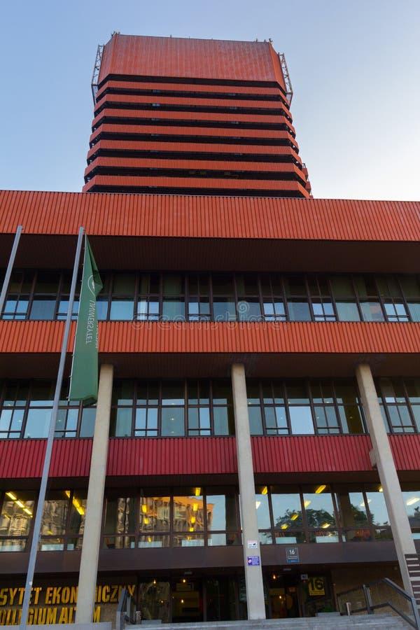 """""""de PoznaÅ, Polonia - 06 20 2018: Universidad económica en Poznán imágenes de archivo libres de regalías"""