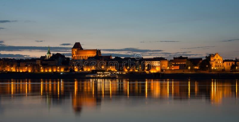 """""""de ToruÅ de la ciudad imagen de archivo"""