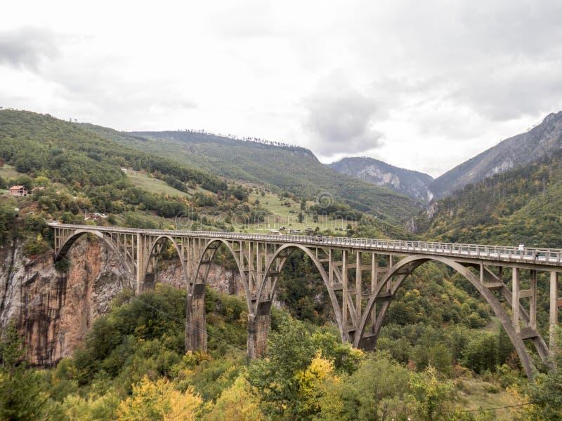 ‡ D'eviÄ de ` d'urÄ de  d'Ä un pont photo libre de droits