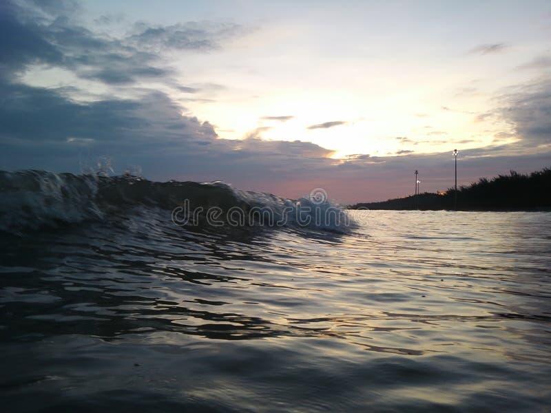 ‹â€ ‹â€ моря развевает в утре стоковые фото
