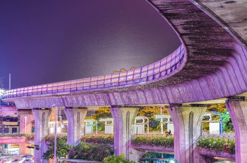 ‹Plástico del image†del estilo - vías del tren del BTS del ‹del †en Bangkok imagenes de archivo