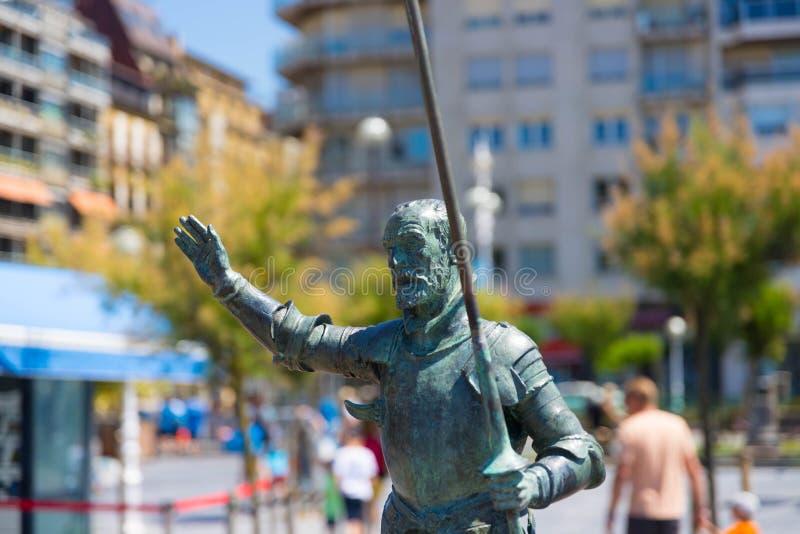 """€ """"10 de San Sebastián/de España 05 2019: Estatua de bronce San Sebastián del Don Quijote imagenes de archivo"""