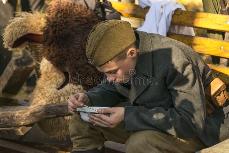 """€ """"Oktober de Lviv, Ucrânia, 14, 2018: A reconstrução histórica militar é dedicada ao aniversário da criação do foto de stock royalty free"""