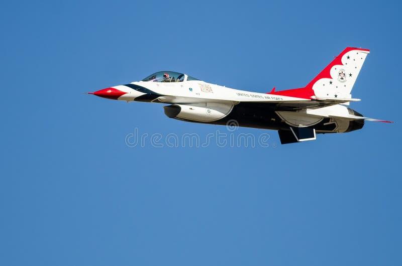 """€ Boise, Idaho, USA """"am 15. Oktober 2017 Luftwaffe Vereinigter Staaten Thunderbirds, die beim Gowen durchführen, donnern Airshow lizenzfreies stockfoto"""