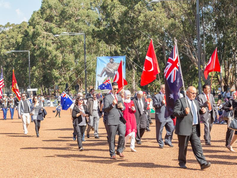 € di CANBERRA, AUSTRALIA «25 aprile 2019: Un contingente che marcia ad Anzac Day National Ceremony tenuto annualmente a Canberra immagini stock libere da diritti