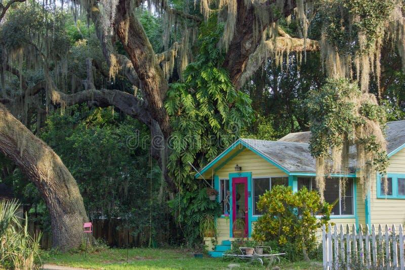 一个五颜六色的房子在中央佛罗里达 免版税库存图片