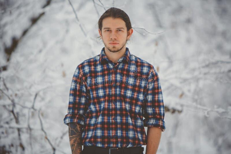 一个人的冬天画象 免版税图库摄影