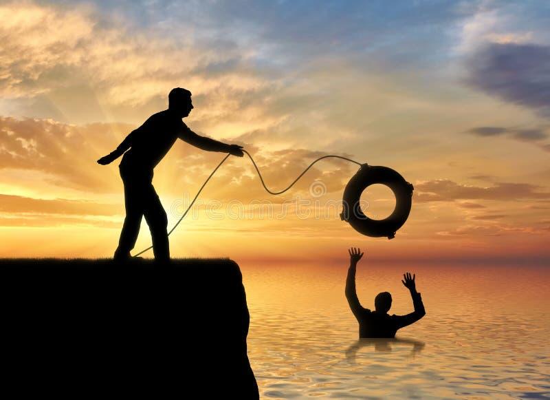 一个人的剪影投掷保险索给在水中淹没的另一个人 库存照片
