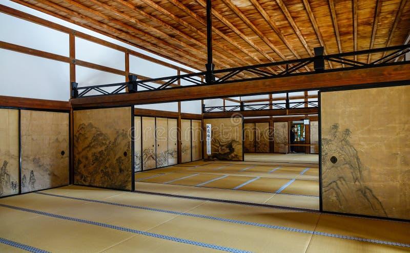 一个传统日本宫殿的内部 免版税图库摄影