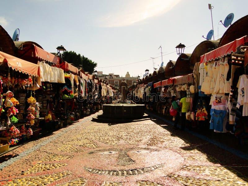 一个传统市场的看法在普埃布拉,墨西哥 免版税库存图片