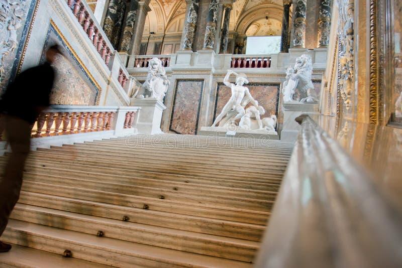 一个冲的人的Blured行动楼梯的  免版税库存图片