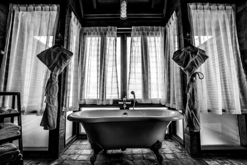 一个卫生间在豪华马尔代夫 库存图片