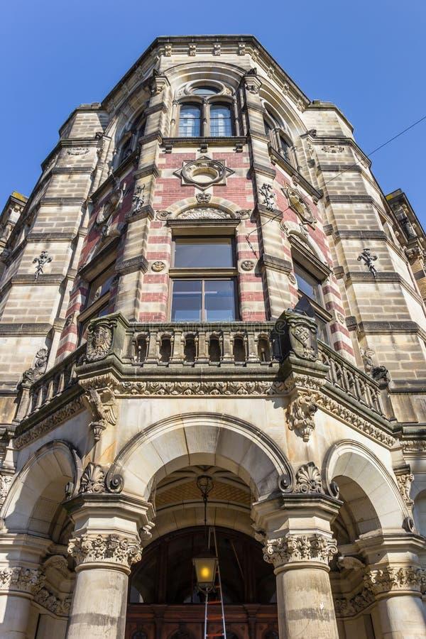 一个历史大厦的门面在布里曼的中心 免版税库存照片