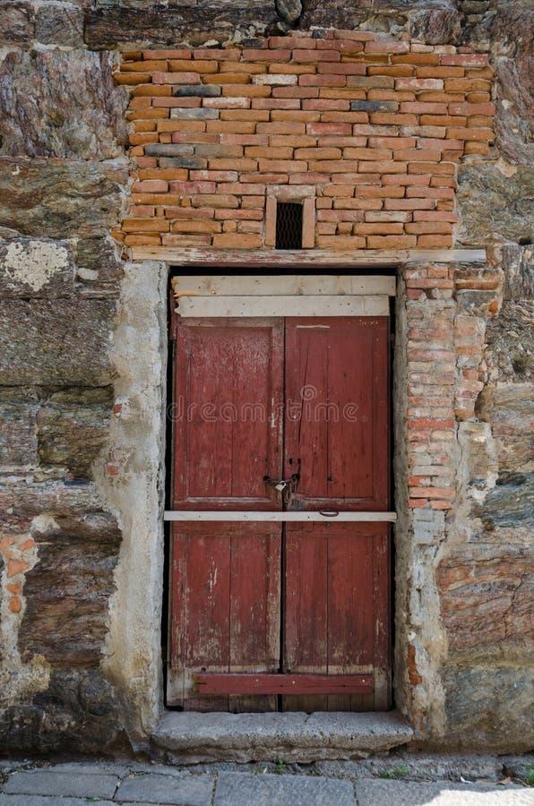 一个古老门的详细资料 图库摄影