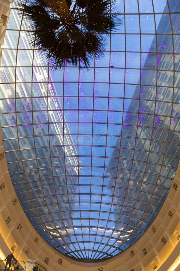 一个商城的内部在迪拜 库存照片