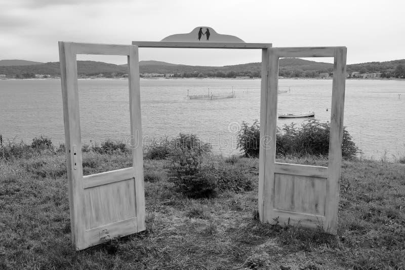 一个图解看法门户开放主义在Kavatsite海湾,索佐波尔,保加利亚,欧洲海岸  库存图片