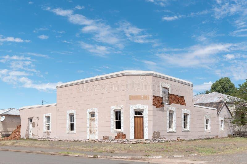 Download 一个大厦的废墟在Hofmeyer 库存照片. 图片 包括有 破擦声, 自治权, 闹事, 晴朗, 废墟, 城镇 - 72368868