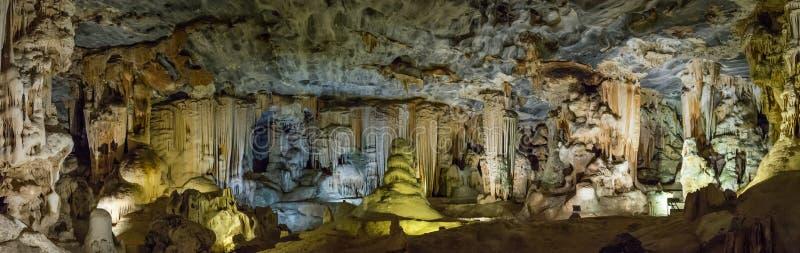 一个大房间的照片在Cango洞的在奥茨胡恩,南非 免版税库存图片