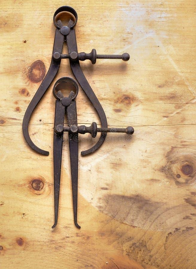 一个对古色古香的轮尺 库存图片