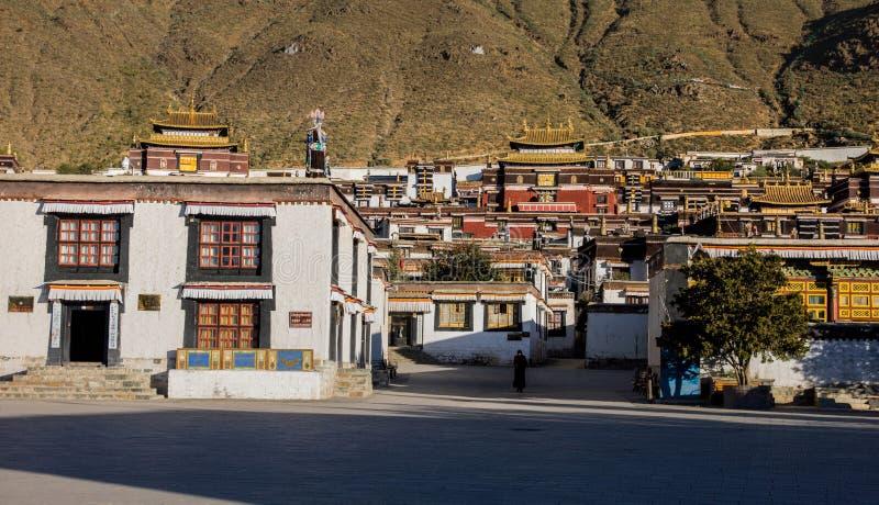一个寺庙在Rikaze,西藏,Zhashilunbu寺庙 免版税库存照片
