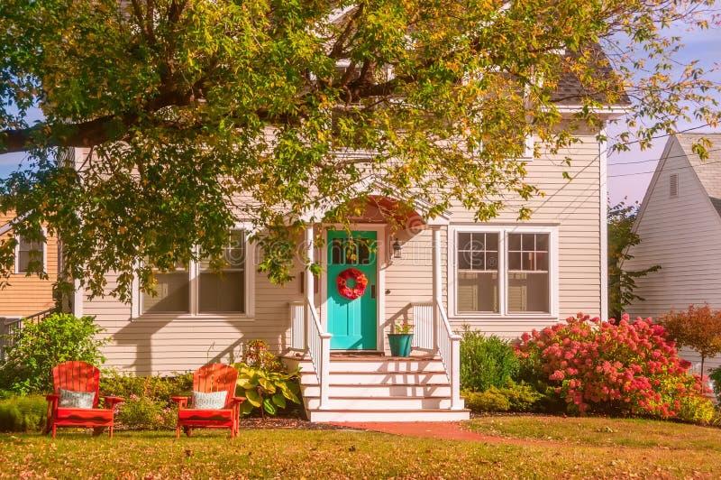 一个小屋的庭院 免版税库存图片