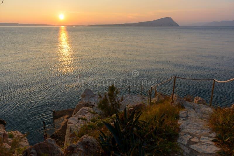 一个小海岛的风景看法 免版税库存图片