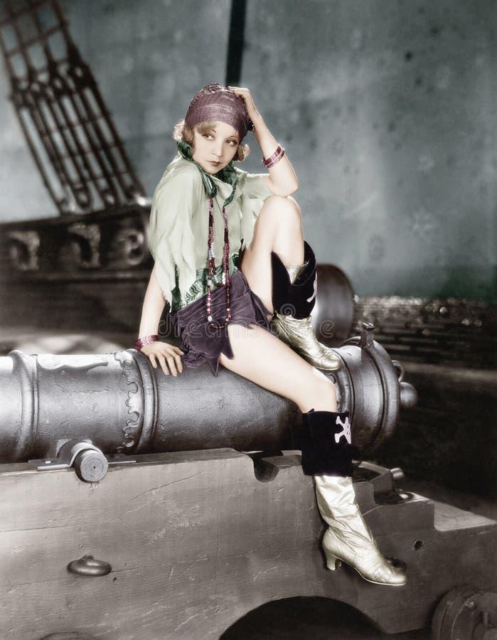 一个少妇的档案坐大炮和认为(所有人被描述不更长生存,并且庄园不存在 suppl 库存照片