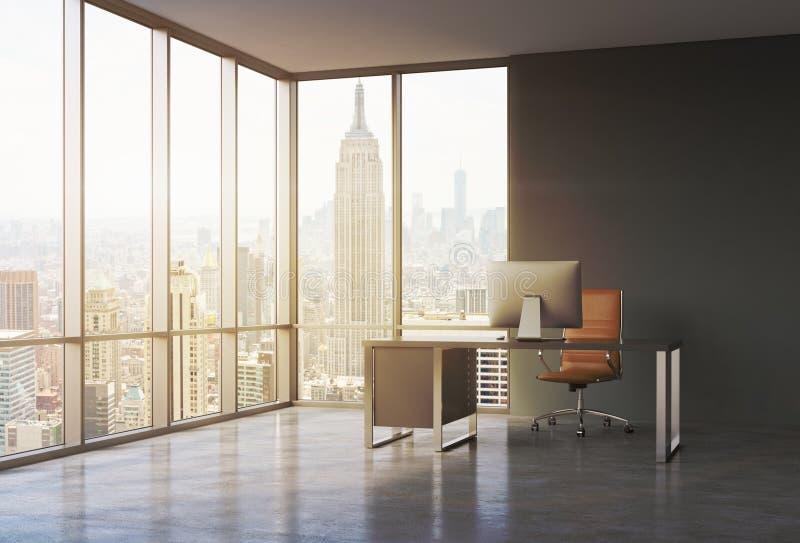 一个工作场所在一个现代壁角全景办公室有日落纽约视图 有现代计算机和棕色皮革的c一张黑书桌 库存例证