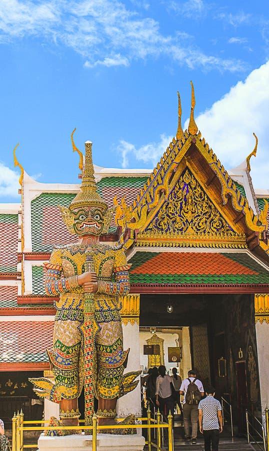 一个巨型模型 Arun Wanaram寺庙,曼谷,泰国 日期:10/21/2015 免版税库存照片
